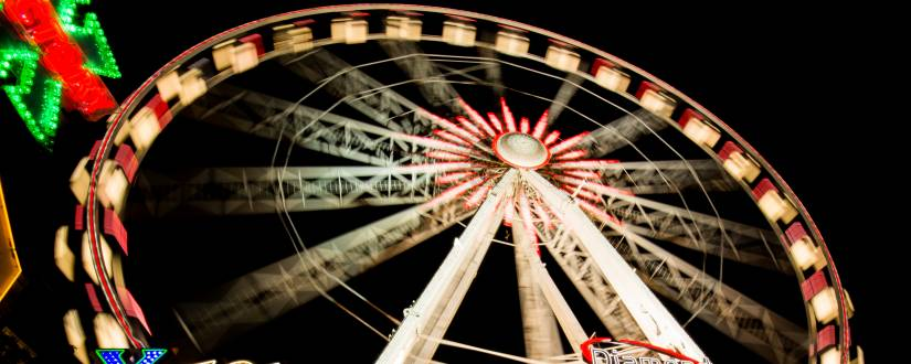 825-330-pexels-night-ferris-wheel-fun-fair-funfair-9216-people-night-ferris-wheel-fun