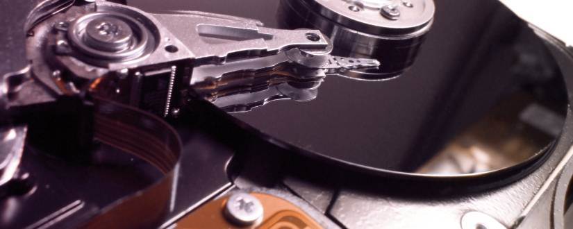 825-330-freeimages-com-hard-drive-close-up-1242594